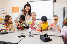 School Holidays - The wonderful and crazy world of science @ Hi! Science Sydney CBD Educational School Holiday Activities _small