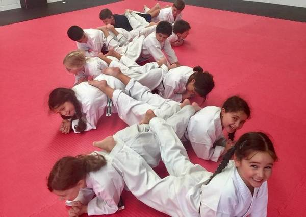 $20 OFF NEW REGISTRATIONS Kingsgrove Karate Classes & Lessons 2